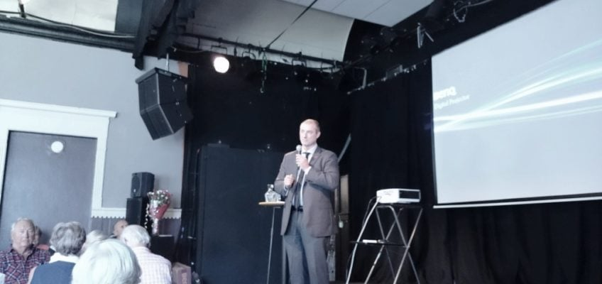 Arbeids- og sosialminister Robert Eriksson på Sarpsborgbesøk