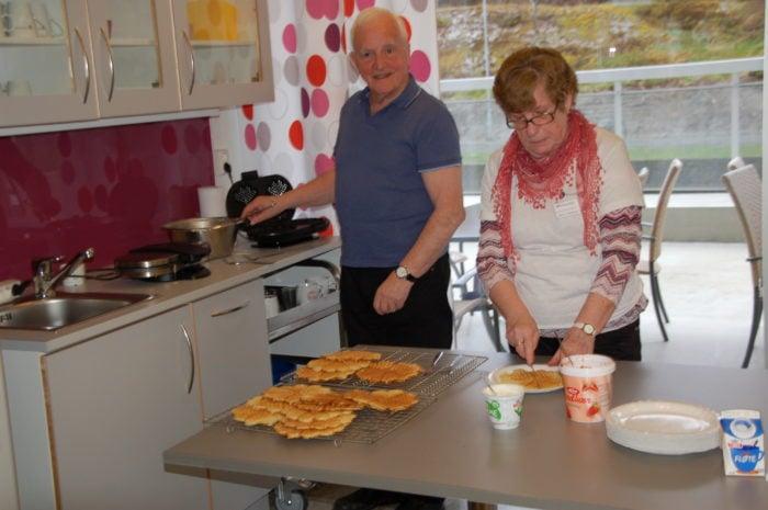 Seniorsaken Østfold lager lørdagskafe på Kurland sykehjem!