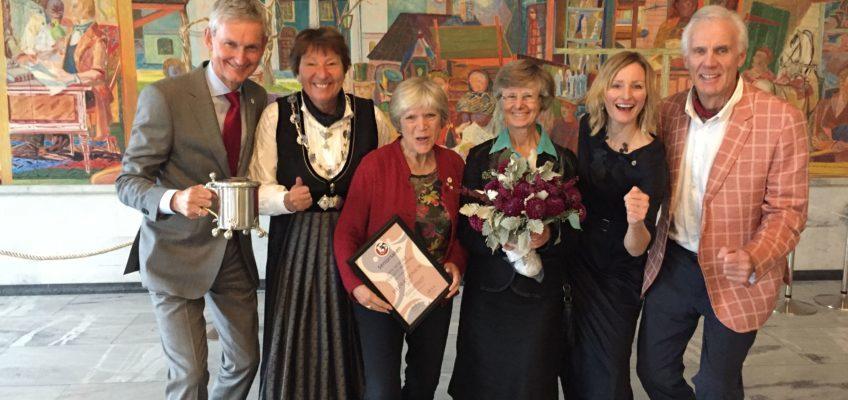 Årets hederssenior ble Den Norske Turistforeningen!